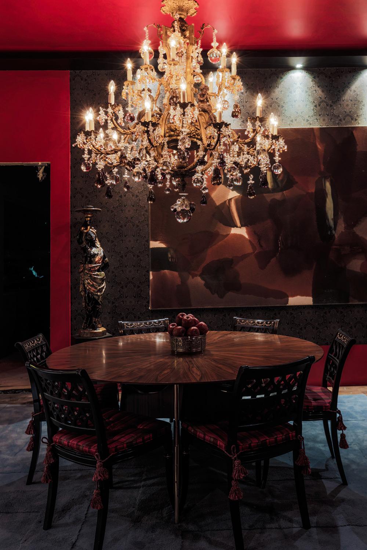 Decoração de: Sala de jantar; lustre pendente de cristal; Casa de Valentina