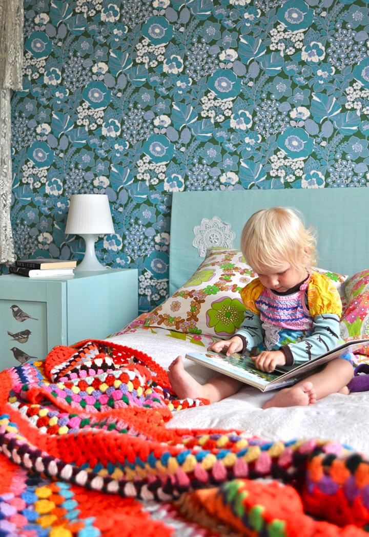 Decoração de: Detalhes; manta colorida de tricô; Casa de Valentina