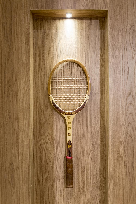 Decoração de: Detalhes; raquete de tênis vintage; Casa de Valentina