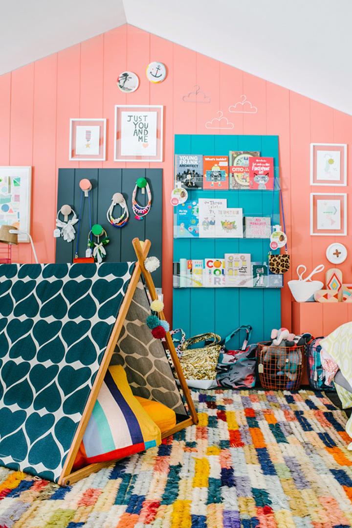 Decoração de: Quarto de casal; tentda colorida; Casa de Valentina