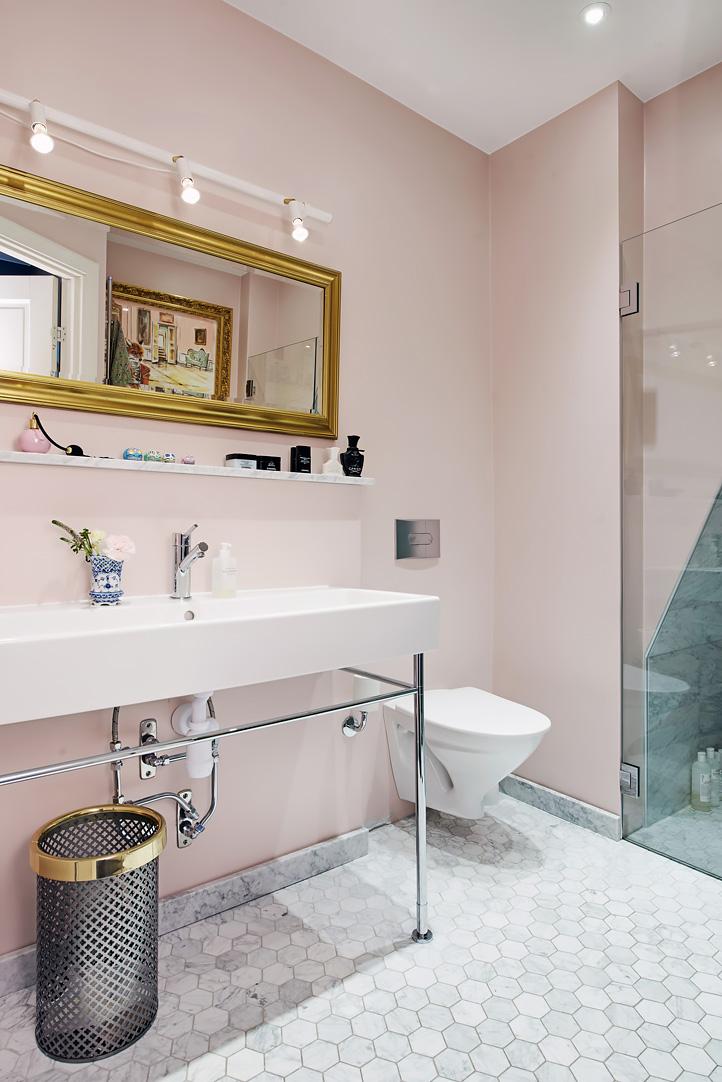 Decoração de: Banheiro; parede rosa clara; Casa de Valentina