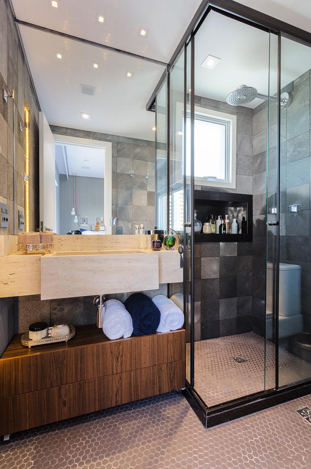 Decoração de: Banheiro; piso pastilha sextavada; Casa de Valentina